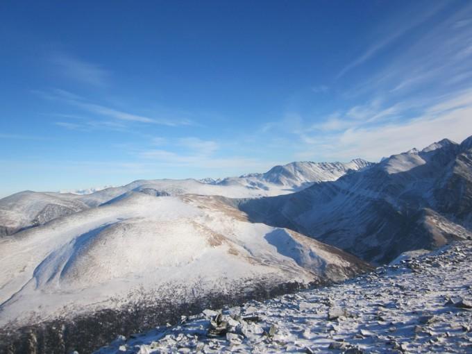 Вид на долину Ярлу с перевала Каратюрек